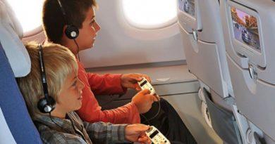 Các thói quen tuyệt đối phải tránh khi đi máy bay